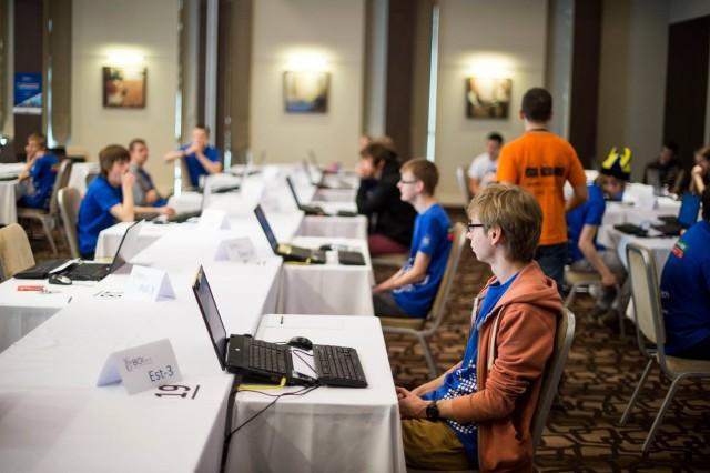 BOI - võistluse algust ootamas - esiplaanil Eesti kogenuim võistleja Simmo.