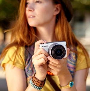 Canon esitles uut kompaktkaamerat  EOS M10 ja EF-M 15–45mm f/3.5–6.3 IS STM objektiivi