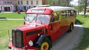 Tallinnas saab täna tutvuda Eesti vanima sõitva autobussiga