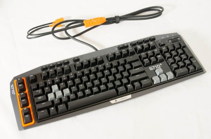 Logitech tõi turule mängijasõbraliku mehaanilise klaviatuuri