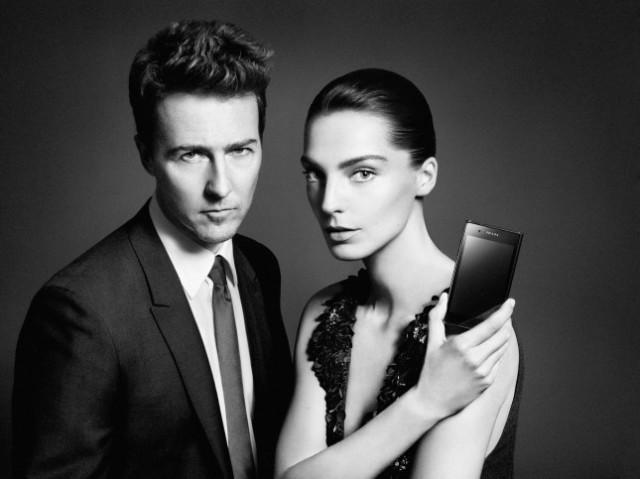 Prada uue telefoni LG 3.0 reklaamnäod on näitleja Edward Norton ja supermodell Daria Werbowy