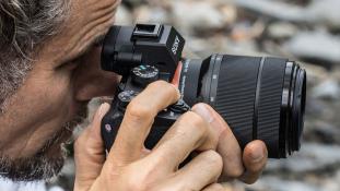 Sony tutvustab maailma esimest täiskaaderkaamerat α7 II