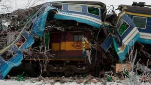 Piiiiks… SMS häirekeskuselt: Narva raudteejaamas põrkasid kokku reisirong ja tsisternidega rong