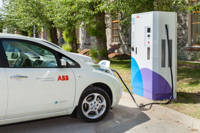 Ligi kümnendik kogu maailma elektriautode kiirlaadijatest asub Eestis