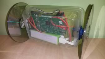 Tartu ülikool tutvustab õpilastele IT võlusid nutitelefonist juhitava roboti ehitamisega