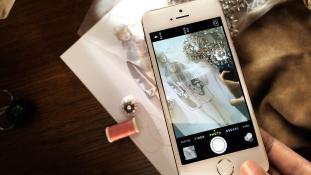 Burberry esitleb kevadsuvist kollektsiooni koostöös Apple'iga